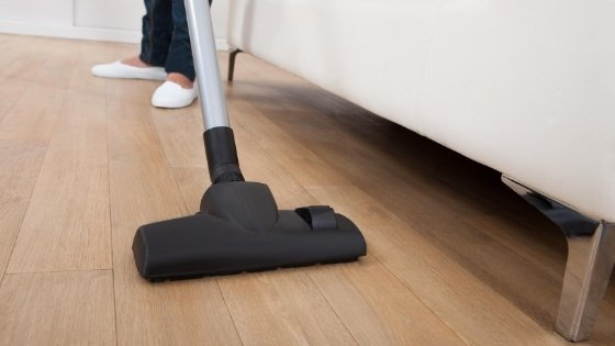 vacuuming-wood-floor