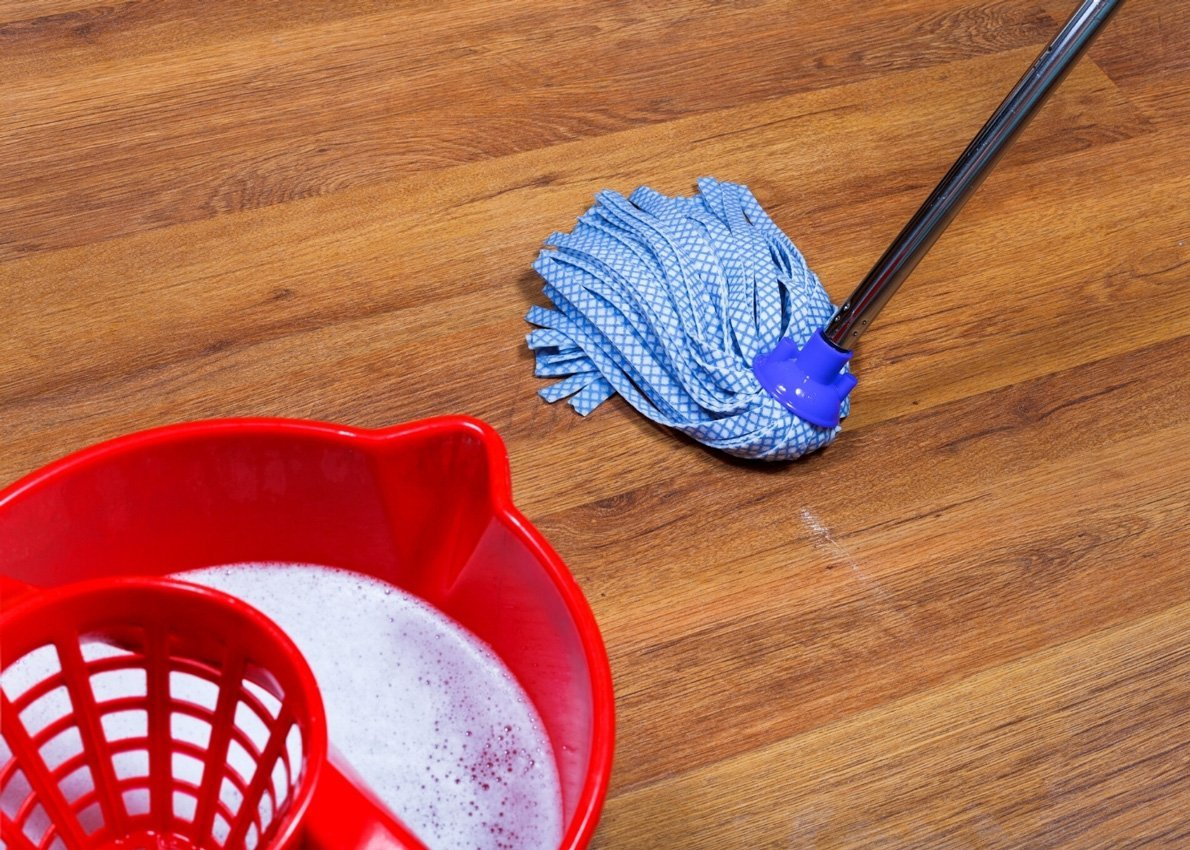 How-to-Mop-a-Floor-Correctly