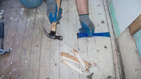 Remove-the-Carpet-Tack-Strips,