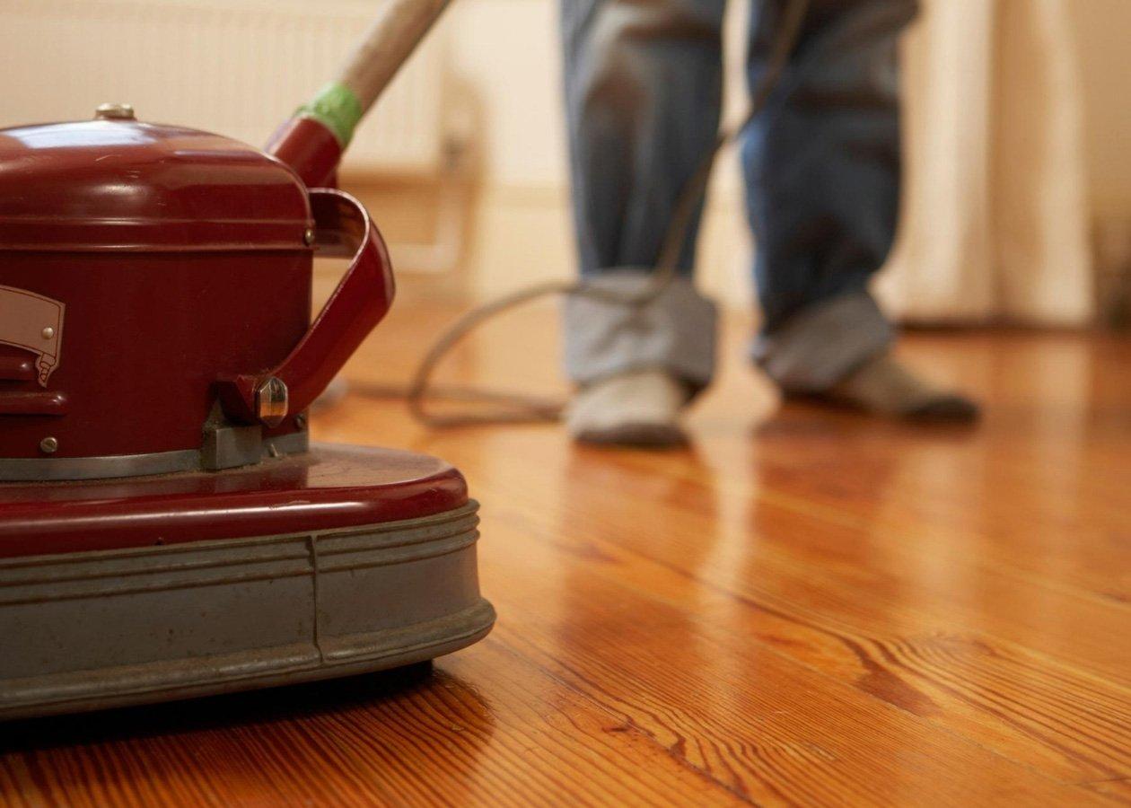 polishing-wood-floor