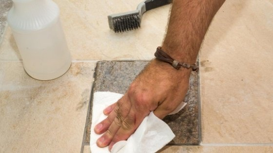 Remove-Dried-Grout