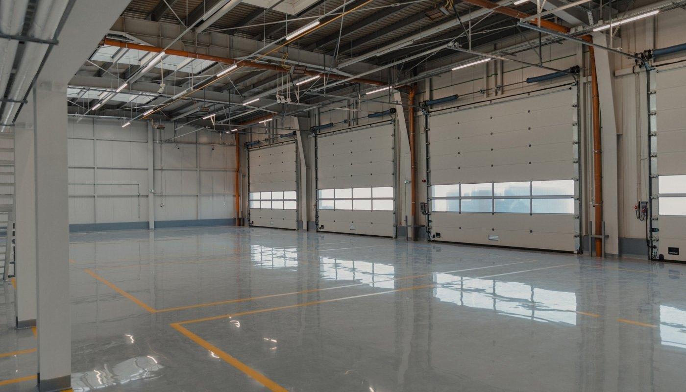 epoxy-flooring-in-car-service-shop