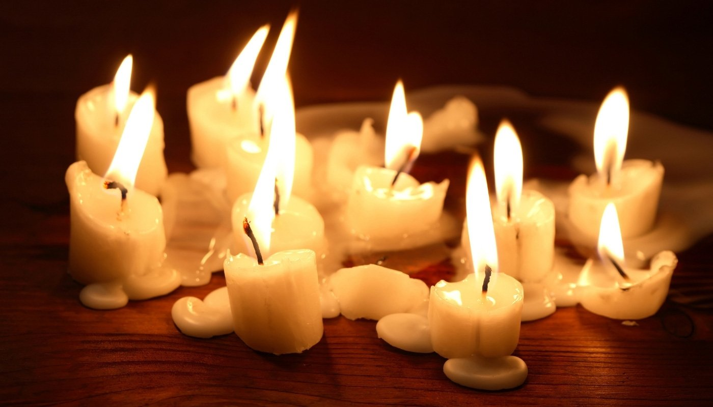 candle wax-on-the-wood