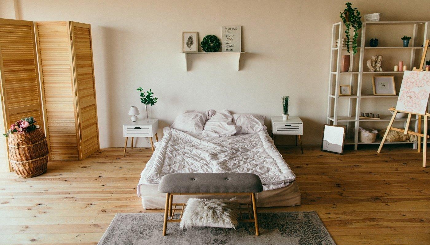 rustic-floor-in-bedroom